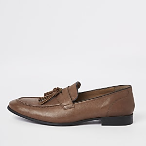 Brown leather pointed tassel loafer