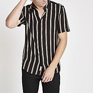Schwarzes, gestreiftes Slim Fit Kurzarmhemd