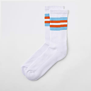 White stripe trim tube socks