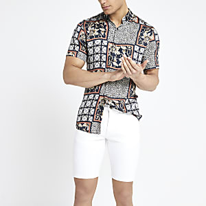 Weiße Skinny Jeansshorts
