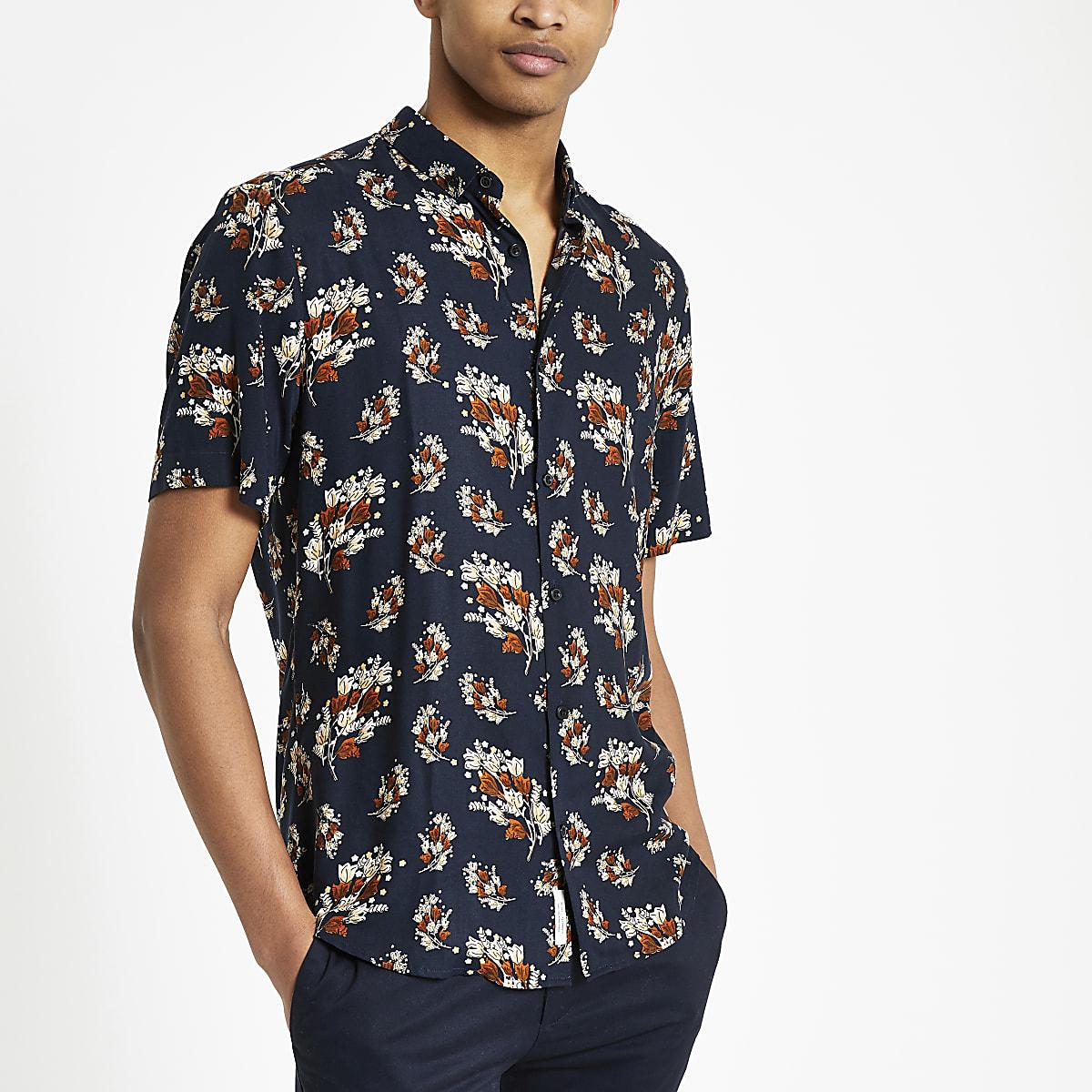 Marineblauw overhemd met takkenprint en korte mouwen