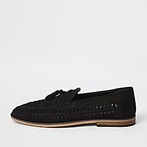 Zwarte leren loafers met brede pasvorm en kwastjes