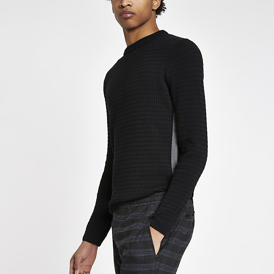 Schwarzer Muscle Fit Pullover mit Zopfmuster
