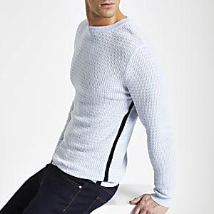 Lichtblauwe aansluitende pullover met kabelmotief