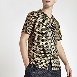 Bruin overhemd met RI-monogram en korte mouwen