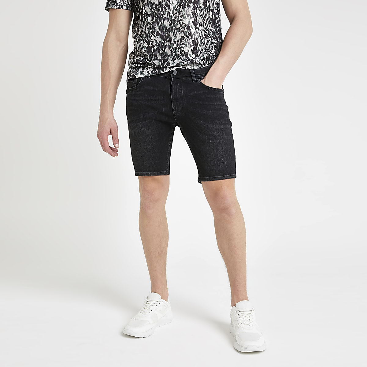Sid - Zwarte wash skinny denim short