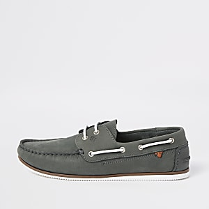Chaussures bateau en cuir effet vieilli grises