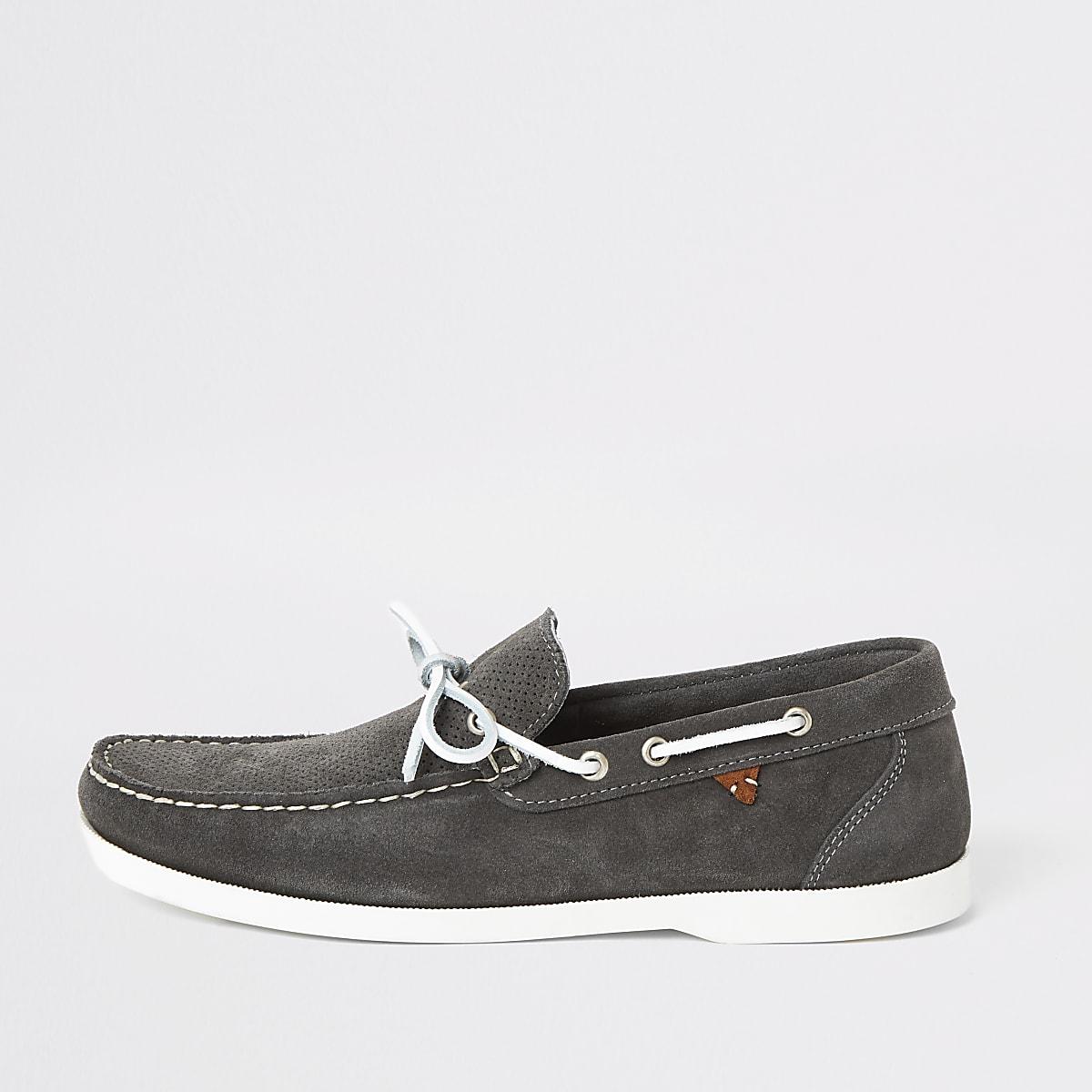 Chaussures bateau en daim gris