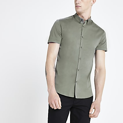Green muscle fit short sleeve shirt