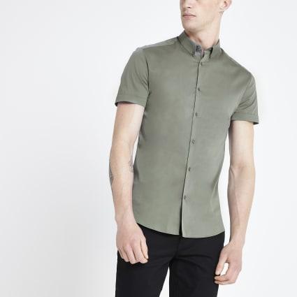 Green muscle fit short sleeve shirt