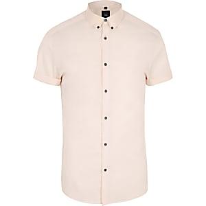 Chemise ajustée rose à manches courtes