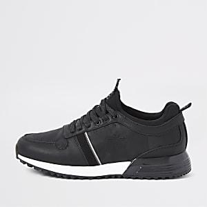 Schwarze Sneakers mit Camouflage-Muster