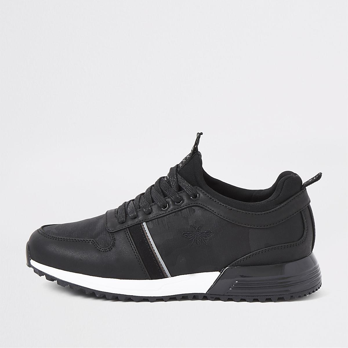 Black camo runner trainers