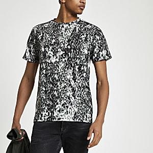 Schwarzes Slim Fit T-Shirt mit Leoparden-Print