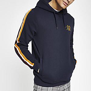 Marineblauwe slim-fit hoodie met RVR-bies op de mouwen