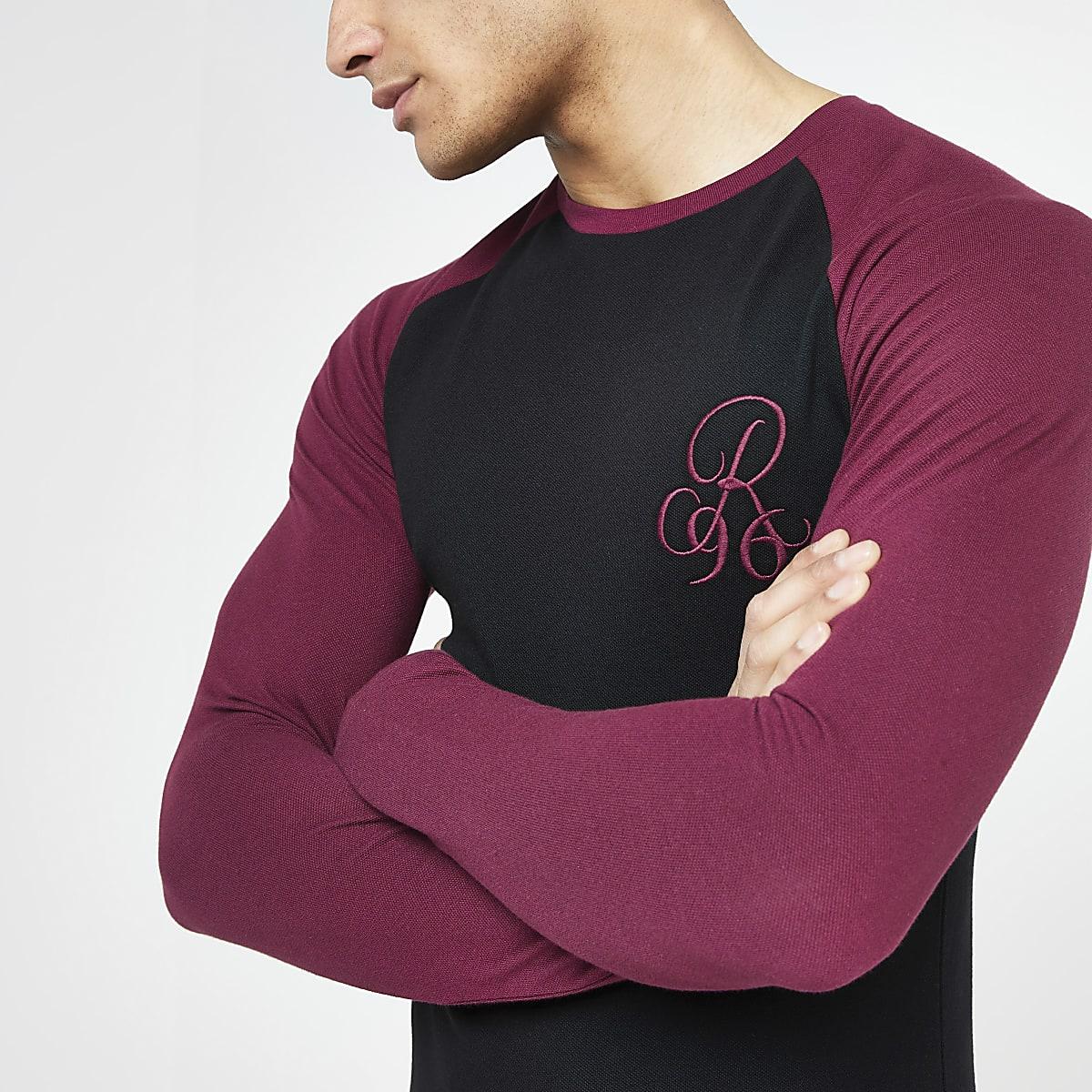Black R96 muscle fit long sleeve raglan top