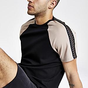 T-shirt slim noir à manches raglan