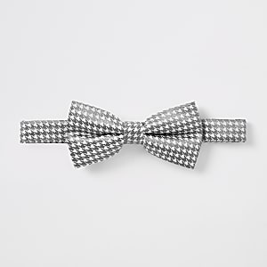 White dogtooth metallic bow tie