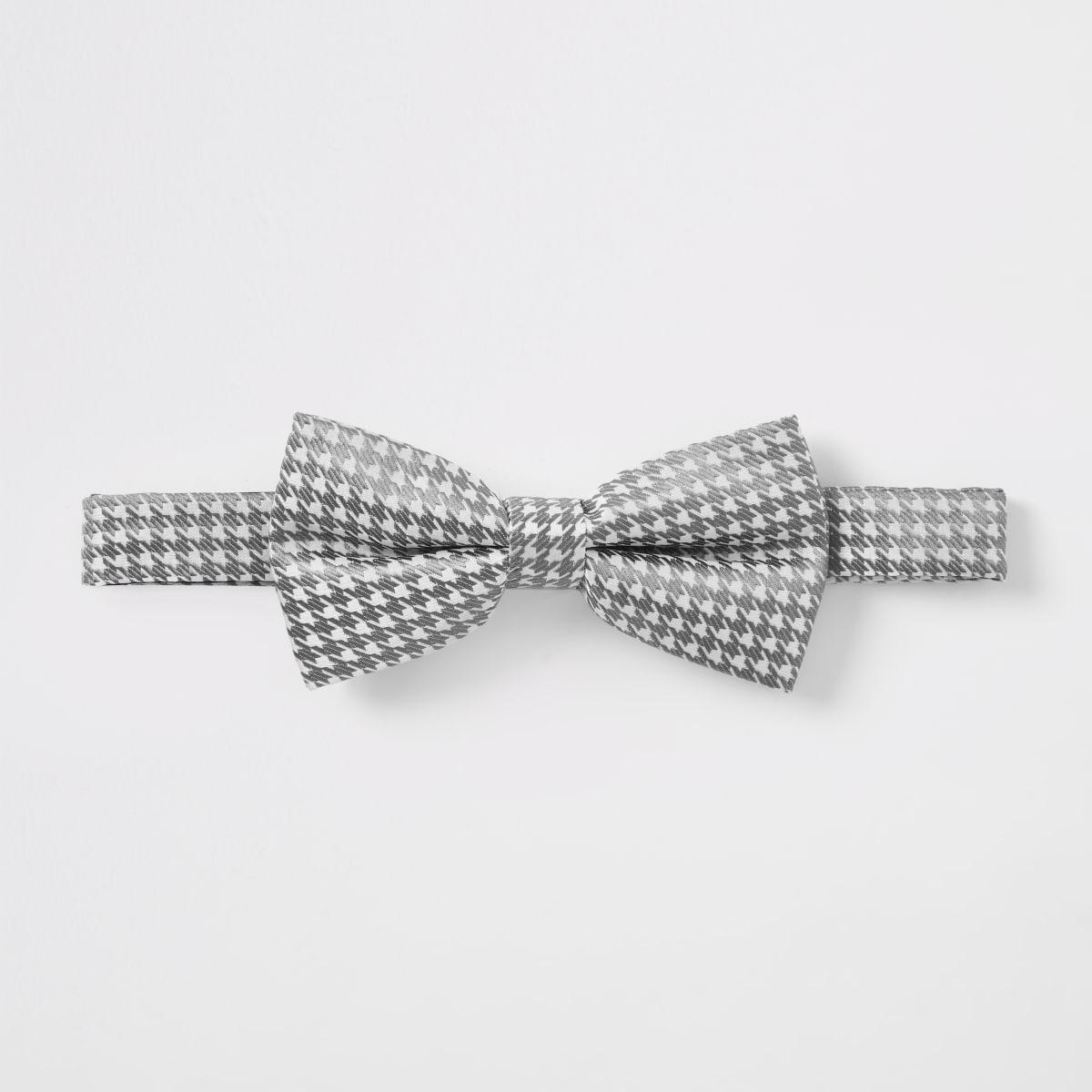White dogtooth metallic bow tie