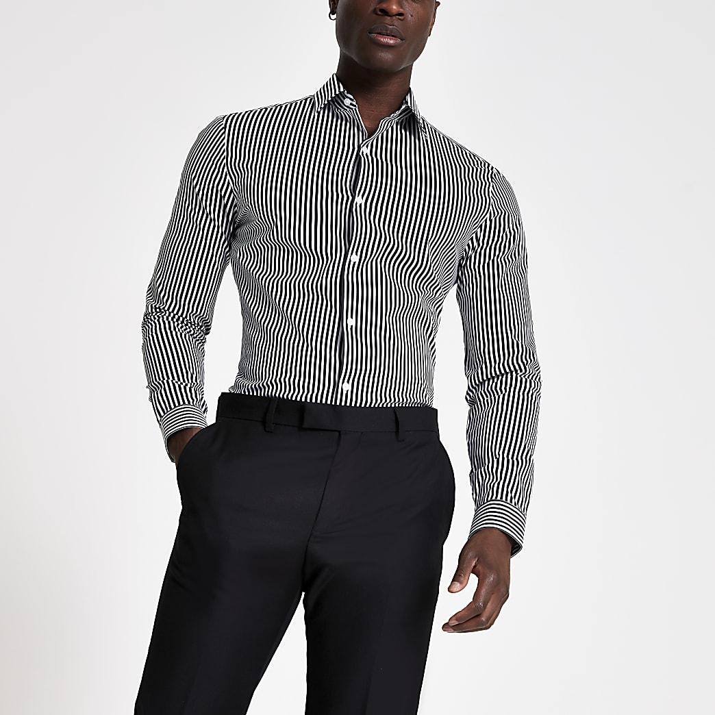 Zwart gestreept aansluitend overhemd met lange mouwen
