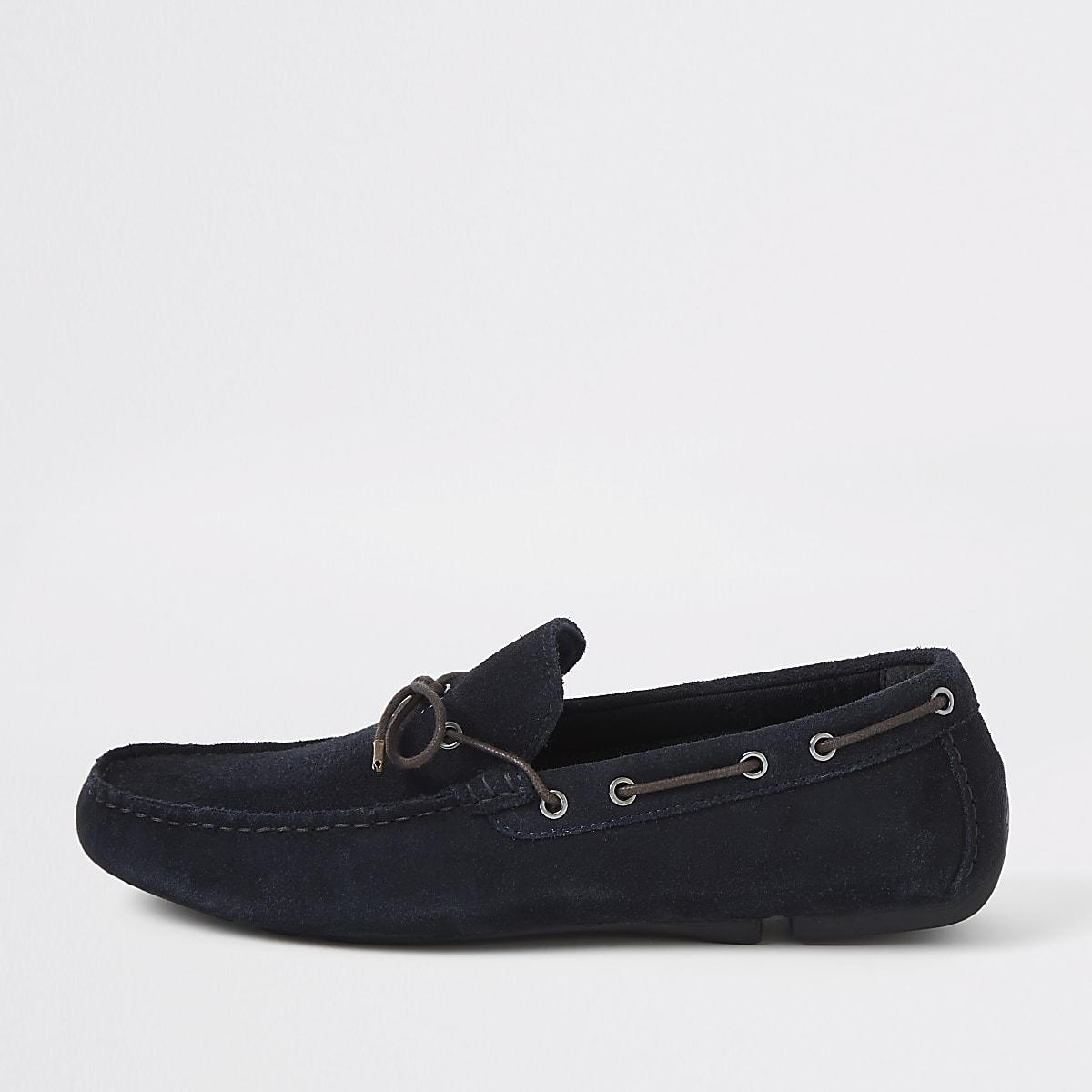 Marineblauwe suède chauffeursschoenen met wijde pasvorm