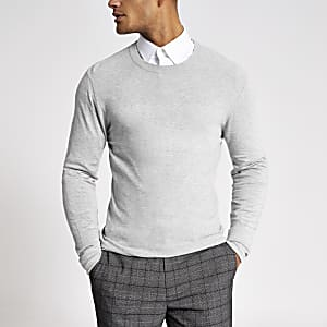 Pull slim gris à empiècement surpiqué