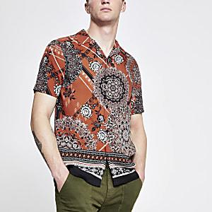 Roestbruin overhemd met korte mouwen en Marokkaanse tegelprint