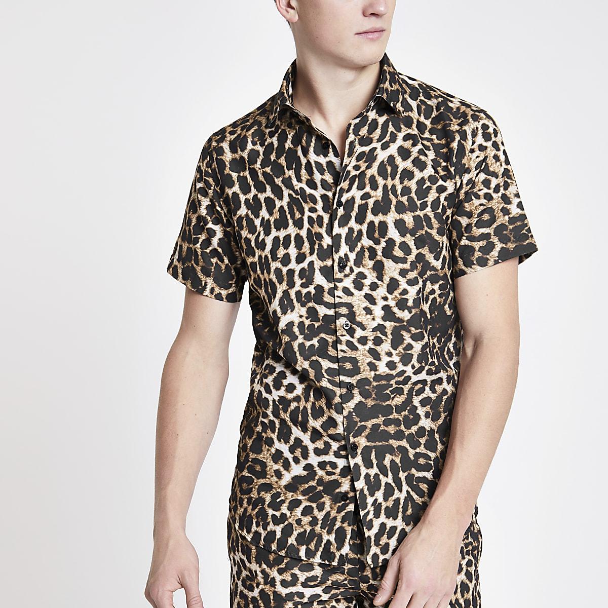 Criminal Damage - Bruin overhemd met luipaardprint en korte mouwen