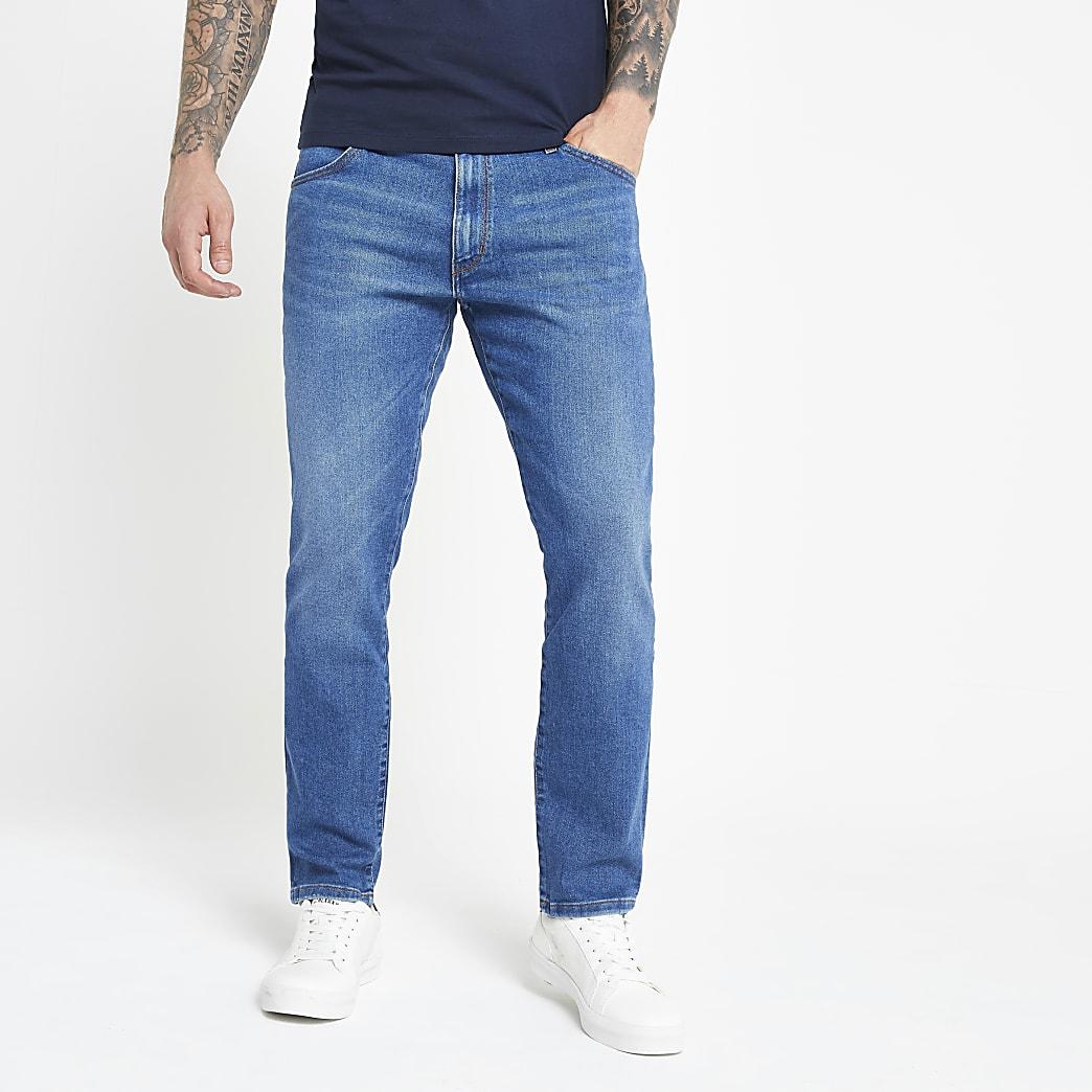 Wrangler – Hellblaue Slim Fit Jeans