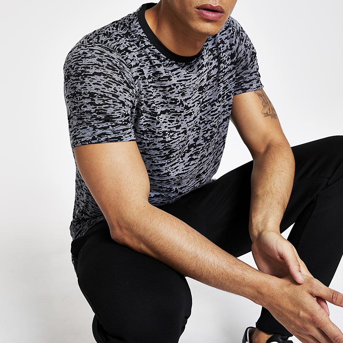 Dark grey print slim fit T-shirt