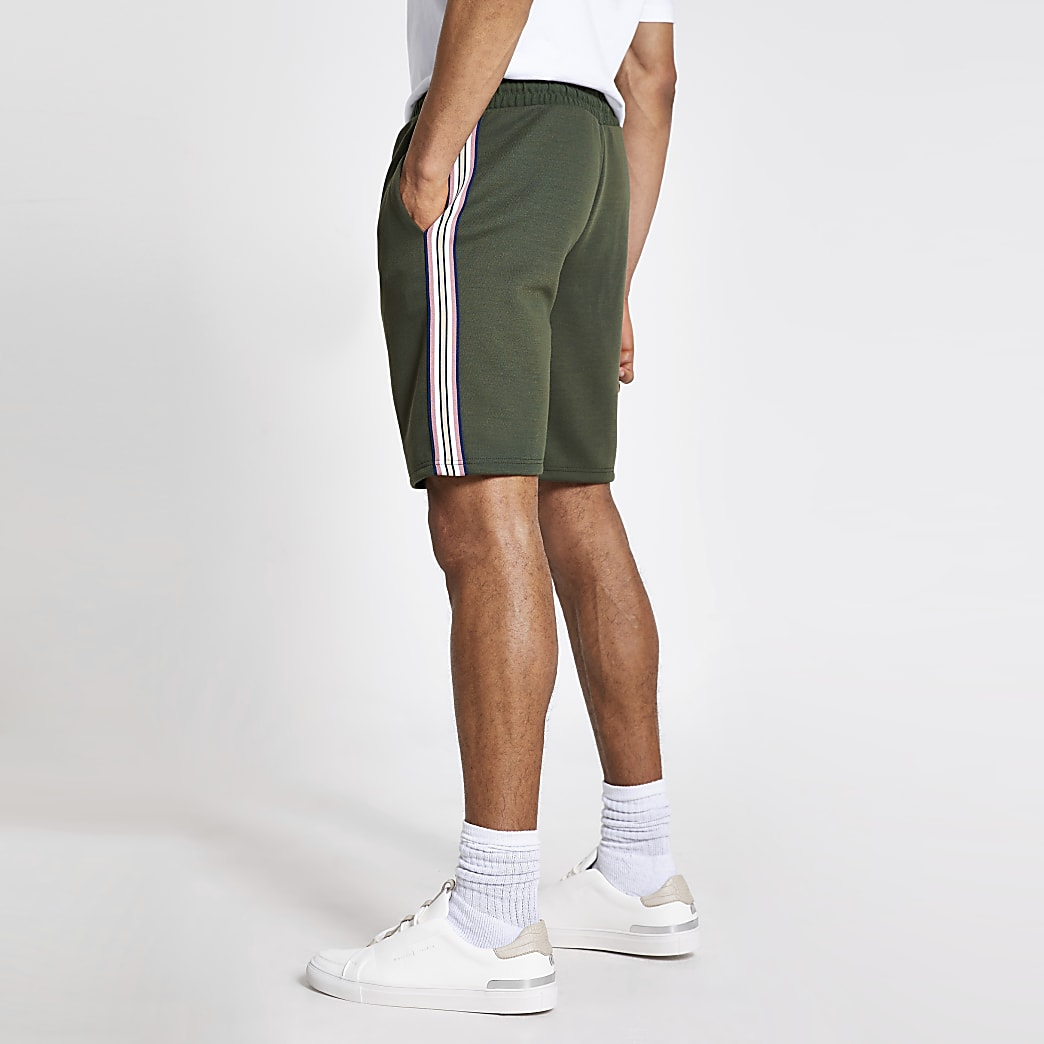 Green tape wasp embroidered slim fit shorts