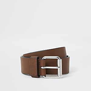 Light brown buckle belt