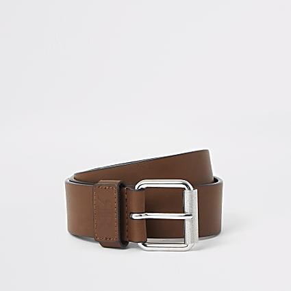 Light brown buckle belt
