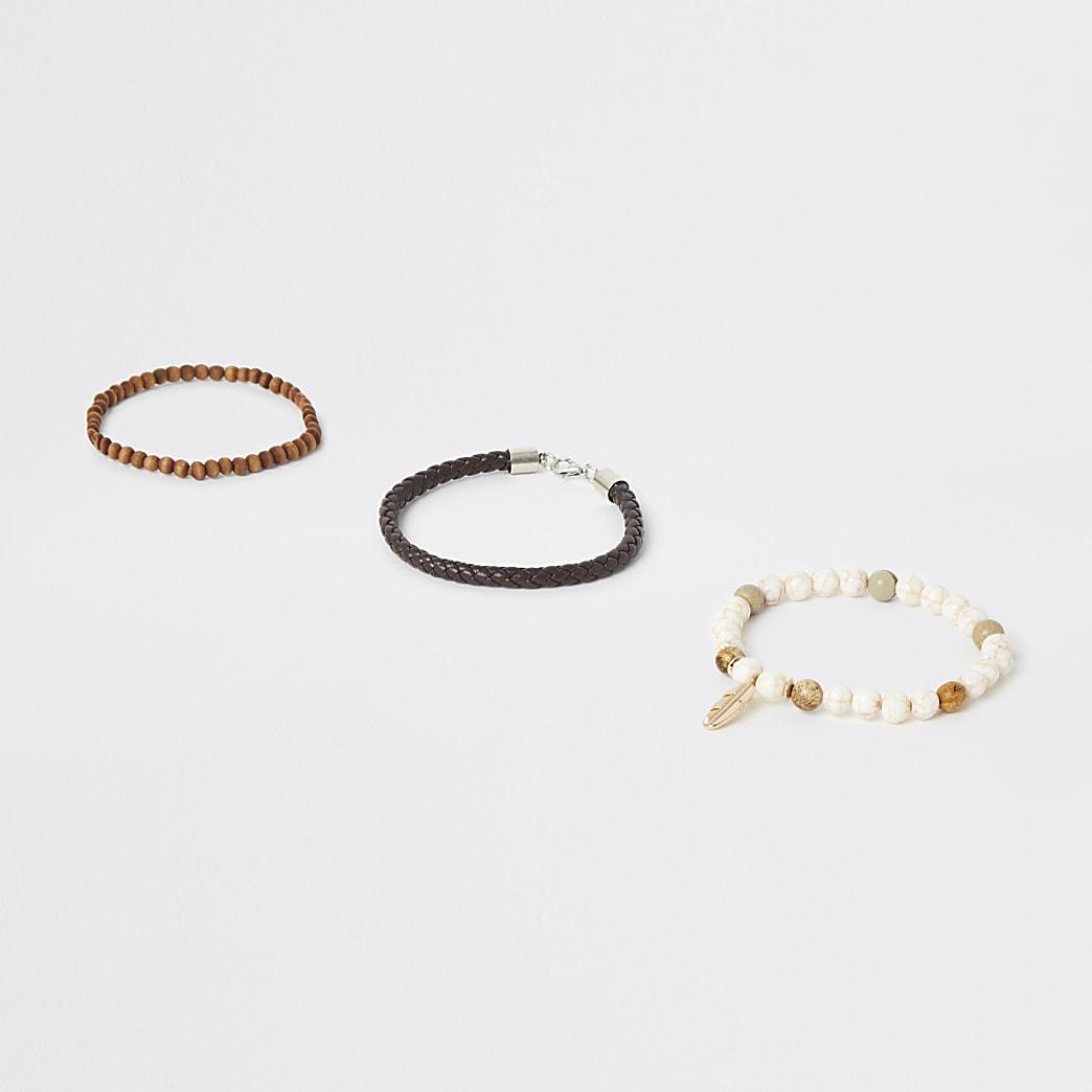 Lot de 3 bracelets marron à breloque plume et perles