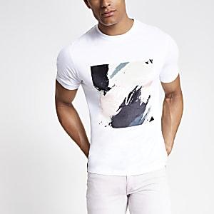 Weißes Slim Fit T-Shirt mit Farbklecksen