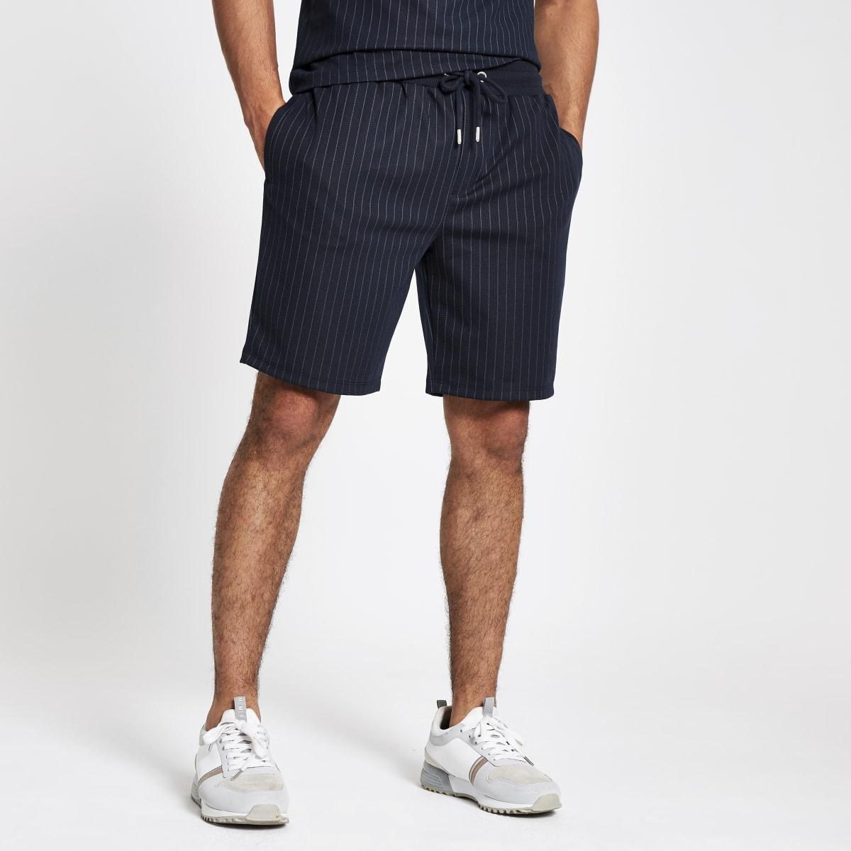 Marineblauwe slim-fit jersey short met krijtstreep