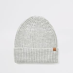 Bonnet de pêcheur en maille gris clair