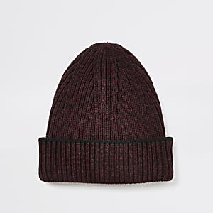 Beanie aus Strick in Bordeaux