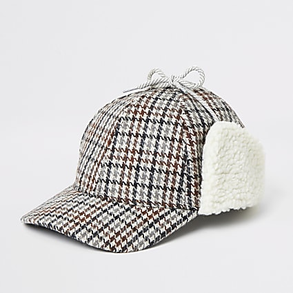 Brown check borg trim hat