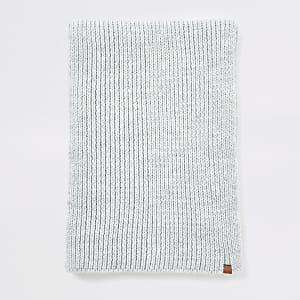 Prolific - Lichtgrijze geribbelde gebreide sjaal