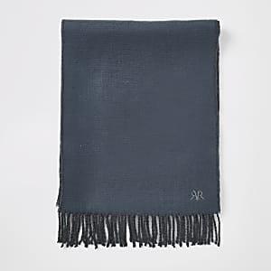 Blauer, bestickter Schal