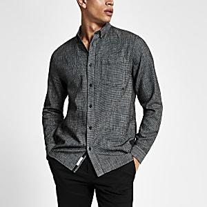 Langärmeliges, strukturiertes Regular Fit Hemd in Schwarz