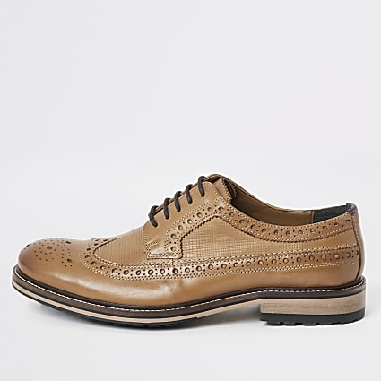 Light brown leather lace-up brogues