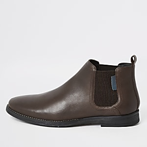 Dark brown low chelsea boots