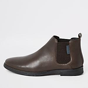 Dunkelbraune, niedrige Chelsea-Stiefel aus Leder