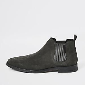 Graue, niedrige Chelsea-Stiefel aus Wildleder
