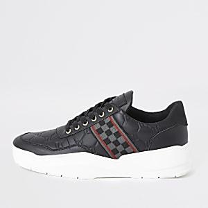 Dicke Sneaker mit Karostreifen in Schwarz