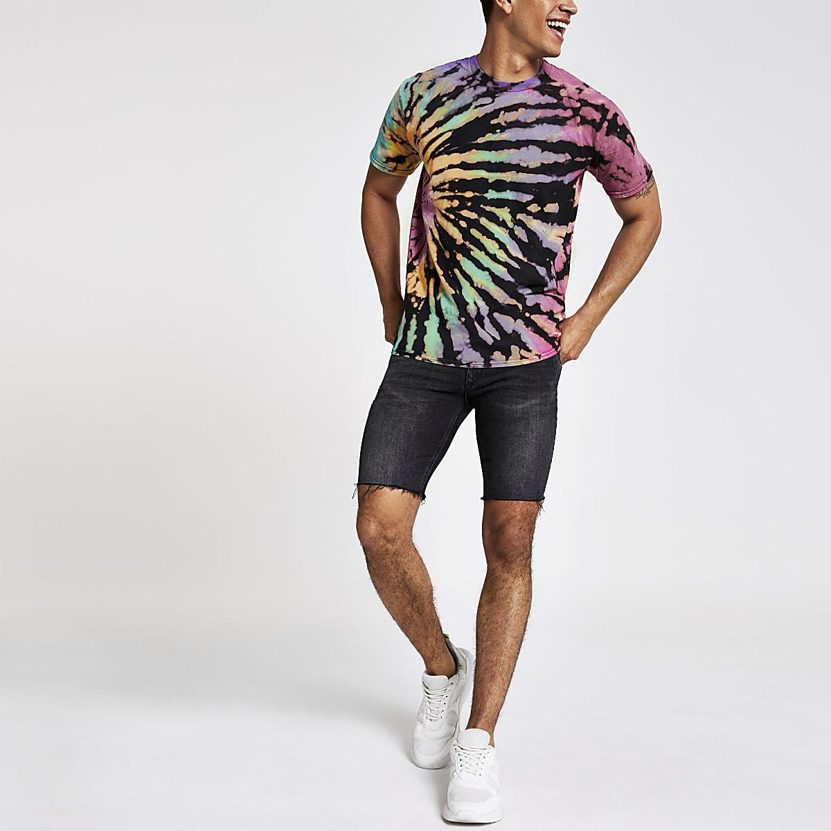 Schwarzes T-Shirt in mehrfarbiger Batik-Optik