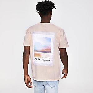 Roze satijnen slim-fit T-shirt met patches
