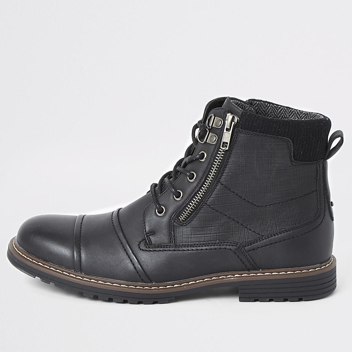 Zwarte schoenen in legerlook met twee ritsen en vetersluiting